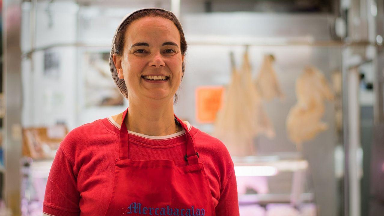 Dolores Neira apuesta por mantener el horario de los viernes por la tarde en el Mercado Central de Ferrol