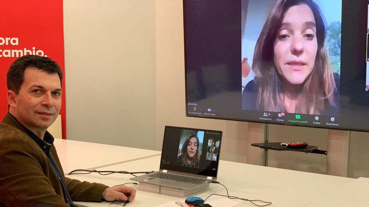 Gonzalo Caballero, este jueves en videoconferencia con la alcaldesa de A Coruña, Inés Rey