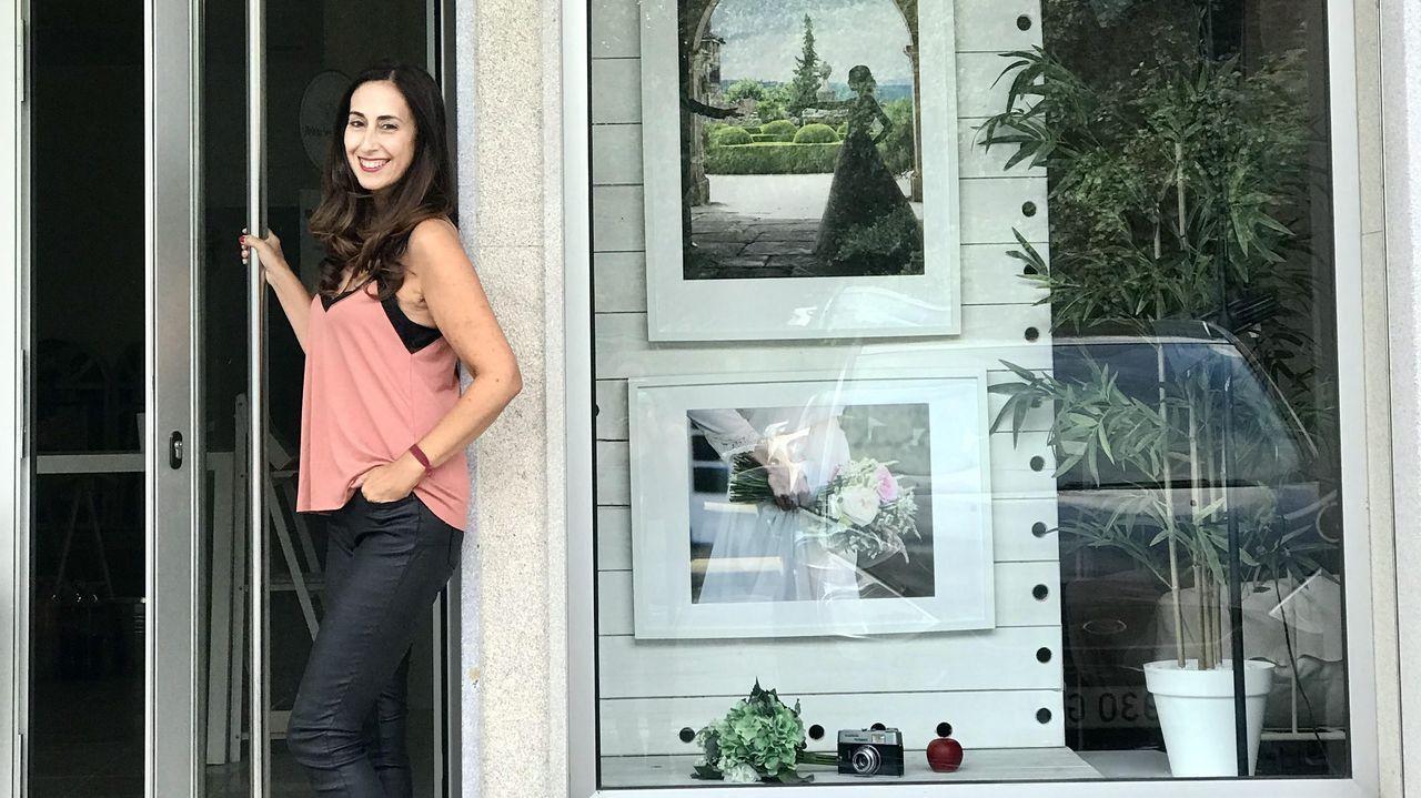 La exposición «A paisaxe e a súa pegada» abre sus puertas en la Casa do Cabido.Teresa Mallada, en Castropol