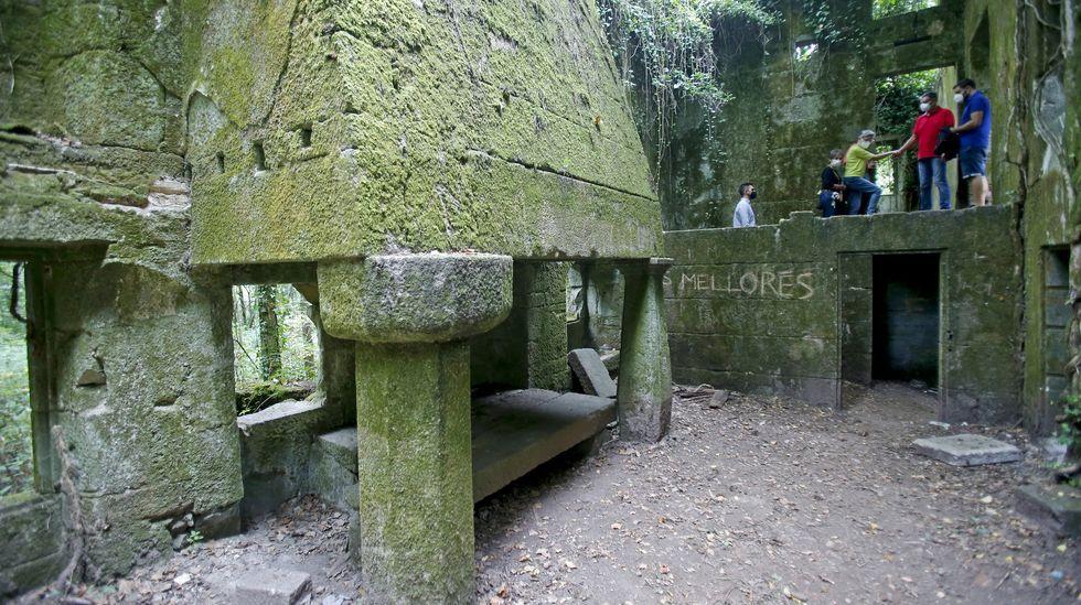 Pontevedra singular.Uno de los yates, de 52 pies, que alquila en la ría de Pontevedra la empresa Sea Galicia