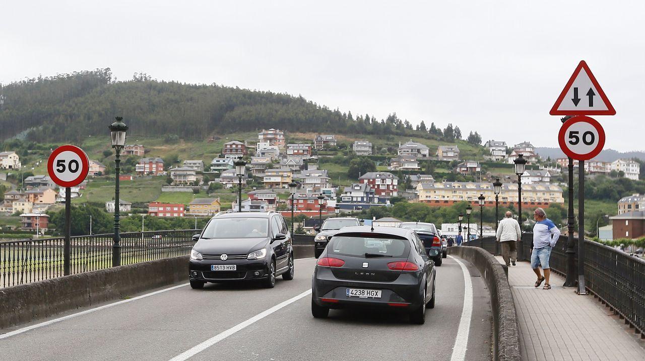 Reabre el carril cerrado en A Misericordia, Viveiro.Tráfico normalizado en Viveiro