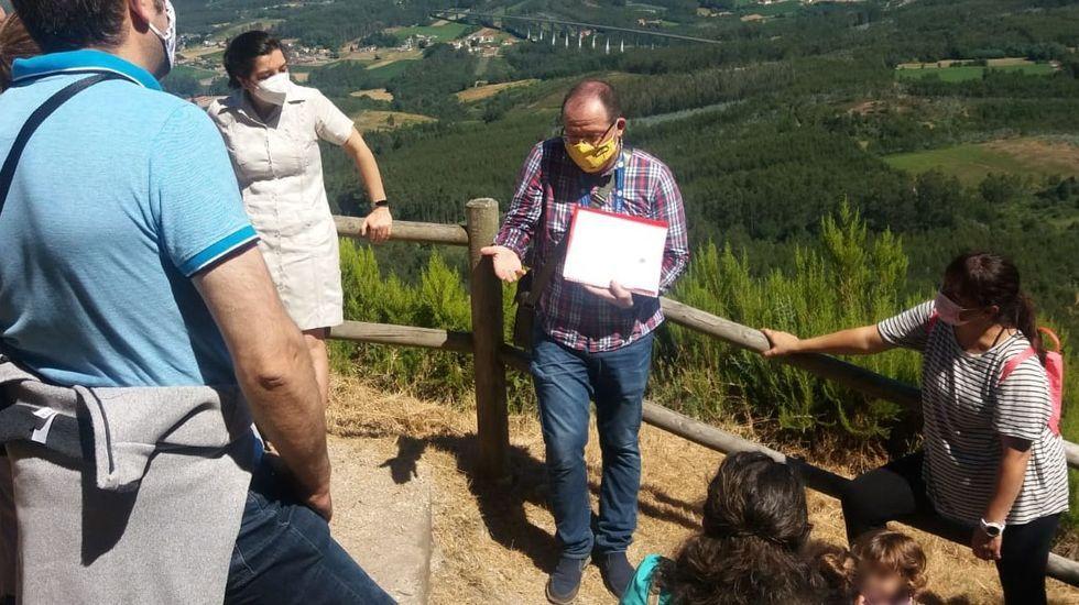 La desescalada de la tercera ola del covid ha propiciado una bajada del paro en el área de Santiago con respecto al mes anterior