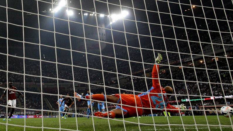 Reina detiene el penalti de Balotelli