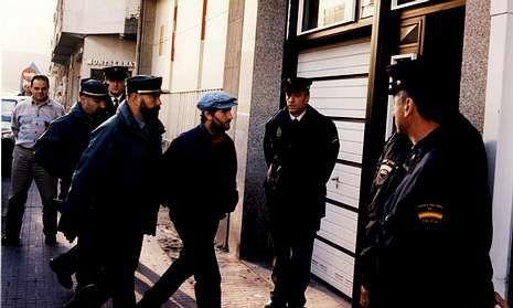 El 10 de noviembre de 1999 Vilarchao fue llevado a la casa del redactor para reconstruir el crimen.