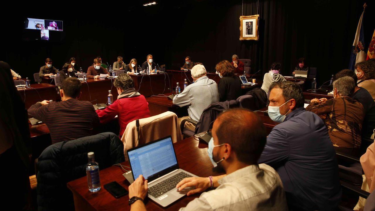 Así es el nuevo «núcleo de centralidade» en Os Campos.Imagen del pleno celebrado este lunes por la corporación municipal de Pontevedra