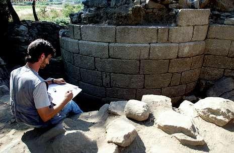 Los restos del yacimiento del castillo de A Rocha ya fueron estudiados en el 2007.