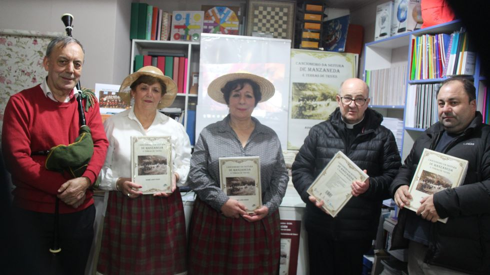 Brindis y premios en la comida navideña de Ribeira Sacra.Guadi Galego actúa en el Auditorio de Vilalba