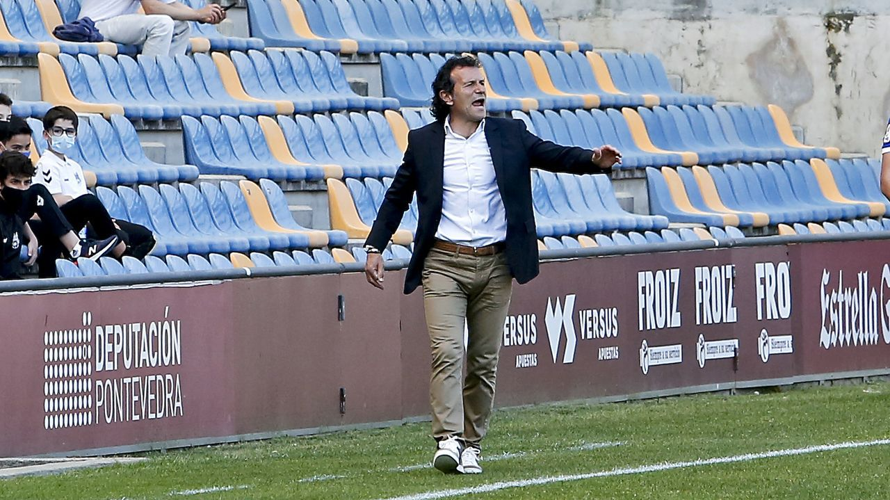 Canedo Guijuelo Real Oviedo Vetusta Segunda B Municipal Luis Ramos.El técnico granate Luisito, durante uno de los entrenamientos de esta semana