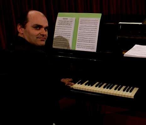 15 años desde «Mareas Vivas».Alejo Amoedo acompañará a Novoa al piano.