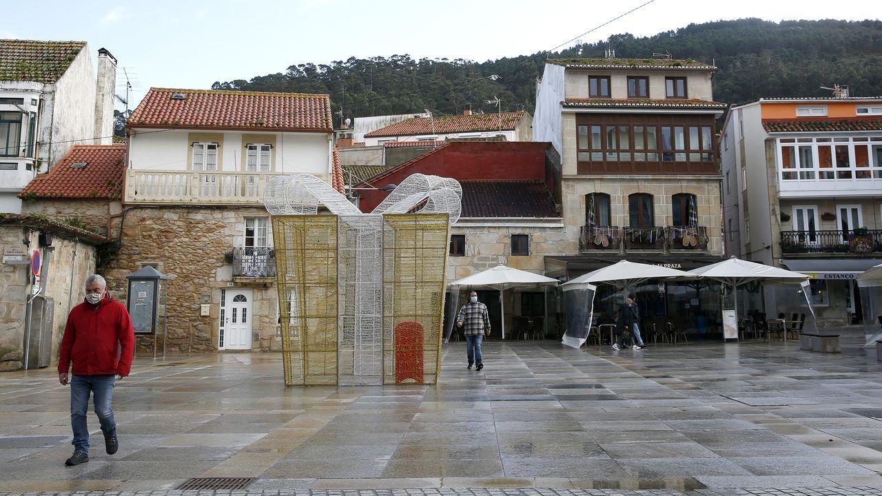 Los locales hosteleros de Porto do Son solamente pueden utilizar la mitad de las terrazas