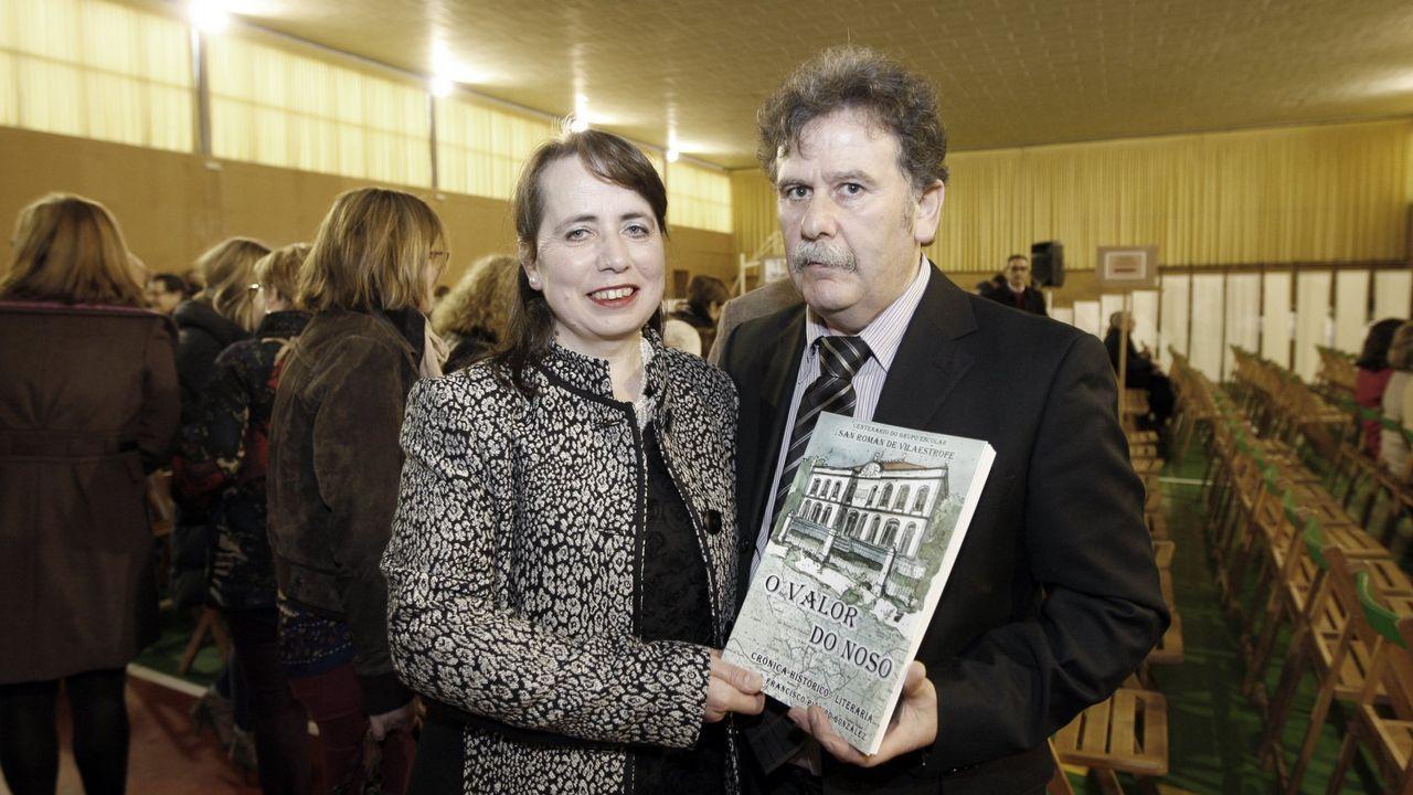 Javier Fernández y José Arnáu firman la donación de la Fundación Amancio Ortega al HUCA