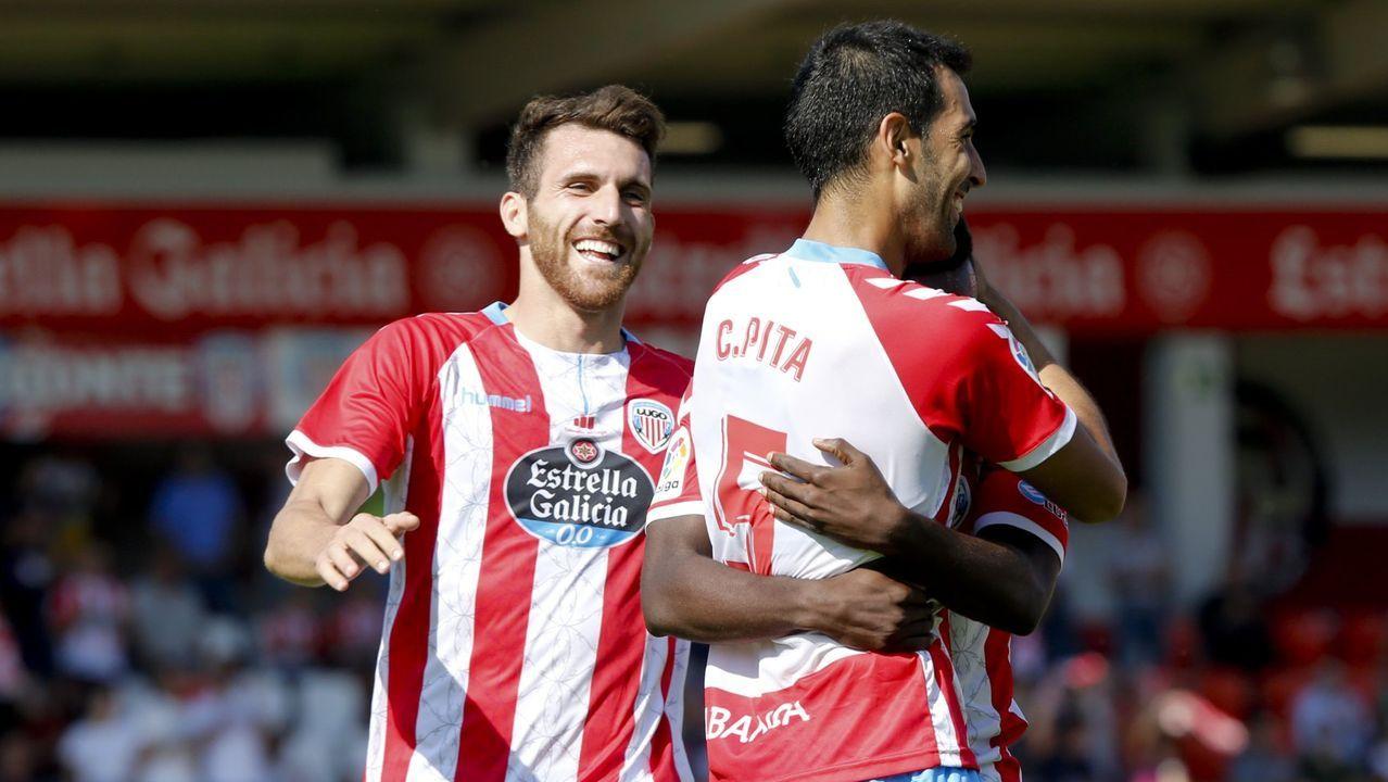 Carlos Pita celebra un gol ante el Mallorca en el Ángel Carro, en la primera vuelta de la temporada 2018/19