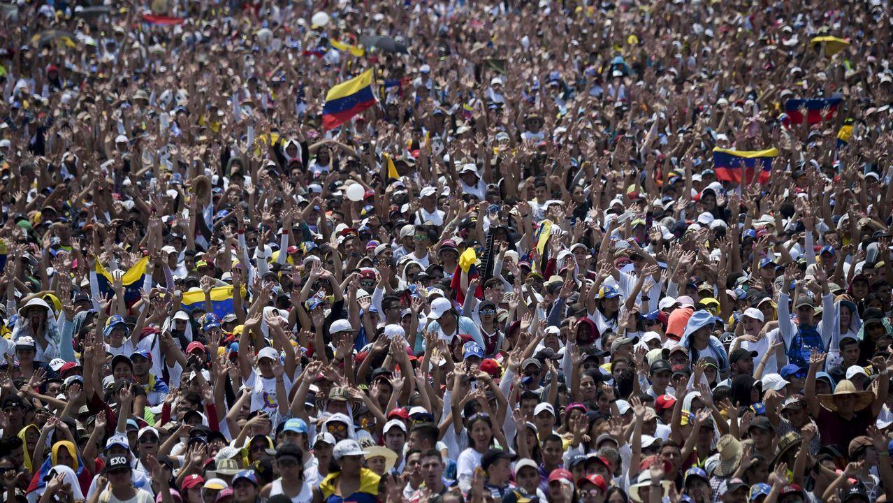 Vista del público asistente al concierto celebrado en el puente fronterizo de Tienditas, en Cúcuta (Colombia)