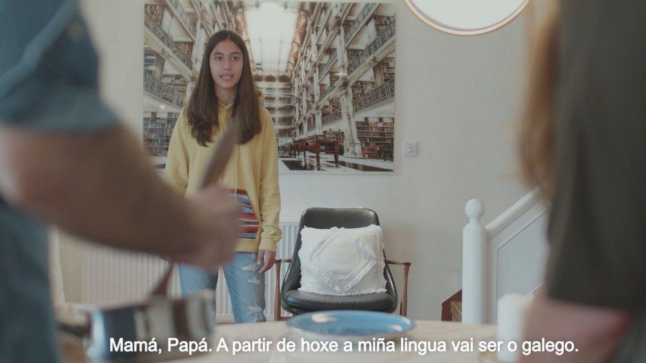 El vídeo del BNG de A Coruña para animar a hablar en gallego: «<span lang= gl >Porque si, porque me gosta, porque me peta</span>».A poetisa de Combarro, Tamara Andrés, participará no faladoiro do luns