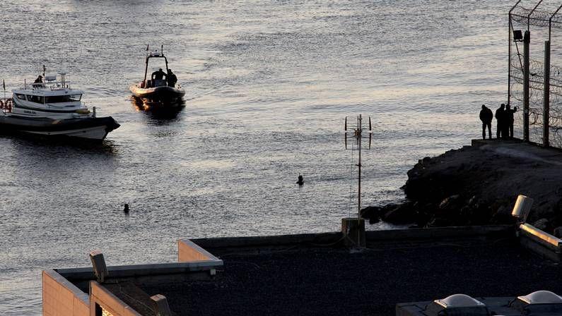 Mañana entra en vigor la nueva factura de la luz.Labores de vigilancia entre Ceuta y Marruecos