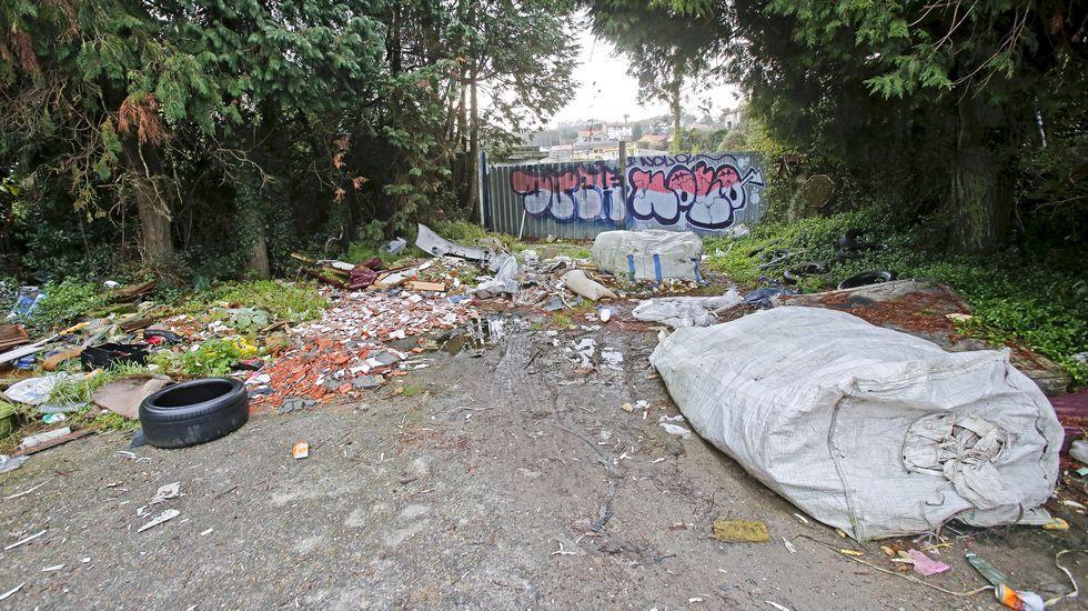 Vertedero ilegal de la avenida de Marín