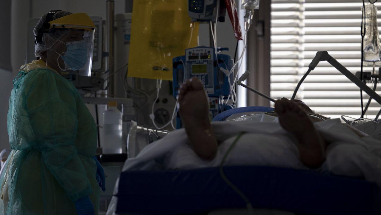 En directo, comparecencia de Pedro Sánchez sobre el coronavirus.Un paciente ingresado en uci