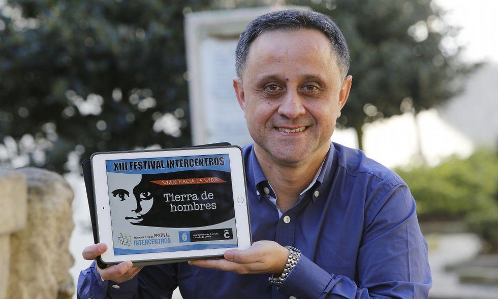 Así es el vídeoclip de Alejandro Sanz cofinanciado por la diputación de Ourense.Rodrigo Hidalgo en la plaza de Santo Domingo, donde está el colegio Dominicos.