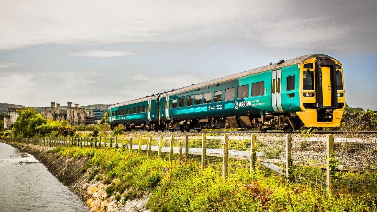Tren de Arriva en Gales, compañía que opta a explotar el tren Oporto-A Coruña