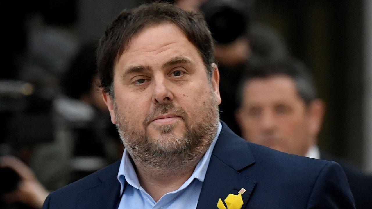 Los exconsejeros catalanes salen de prisión tras pagar la fianza.La convocatoria de elecciones al amparo del artículo 155 provocó manifestaciones en Cataluña