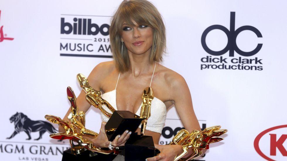 64.  Taylor Swift, que con 25 años es la más joven