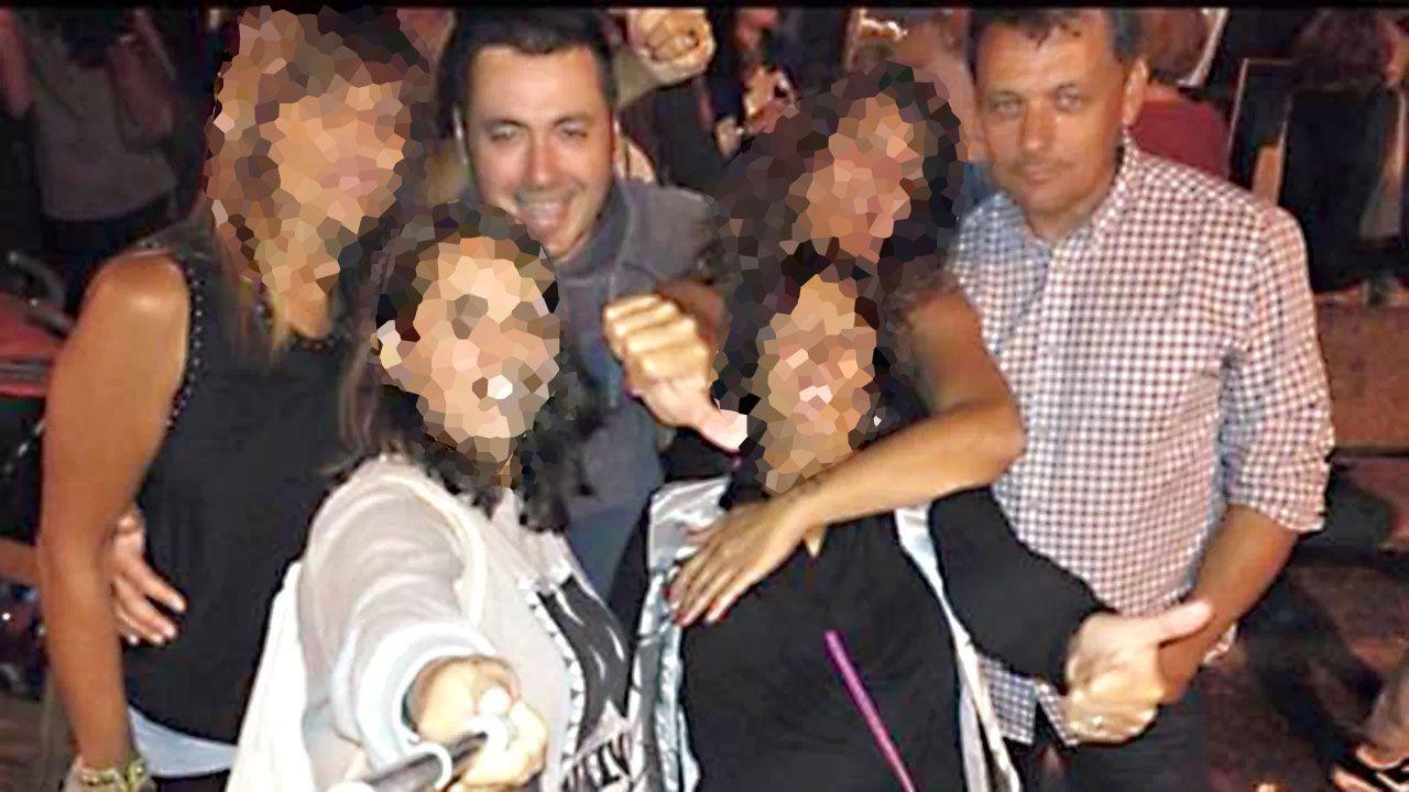 Pedro L.N.A. y Javier Ardines posan en una imagen de grupo