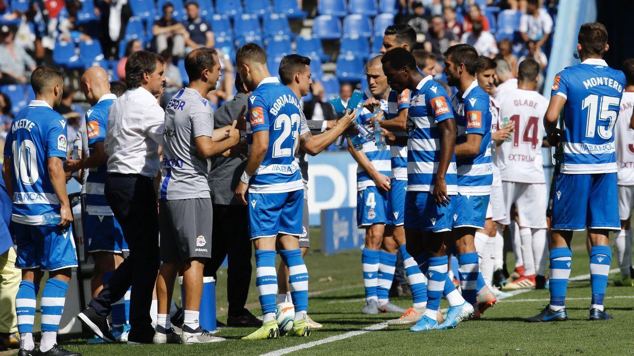 El Deportivo - Numancia en imágenes.Aketxe, en un entrenamiento junto a sus compañeros