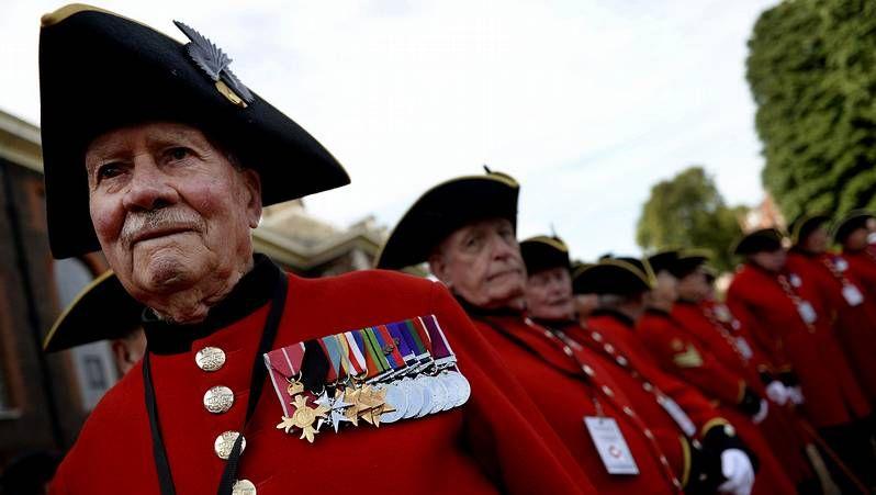 Felipe VI asistió al acto en honor de las víctimas.La duquesa de Cambridge en su último acto oficial.