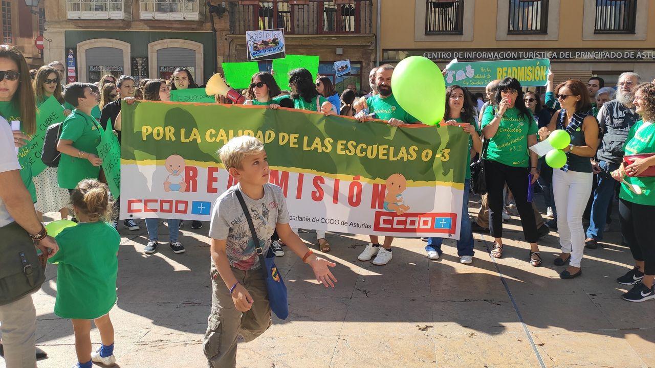 Protesta de educadoras infantiles en Oviedo