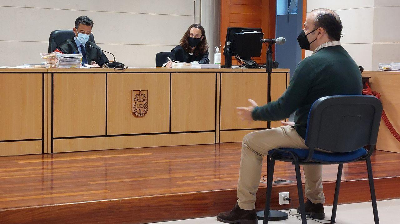 David S. L. durante su declaración en el juicio celebrado en la sección sexta de la Audiencia Provincial, que es la que tiene su sede en Santiago