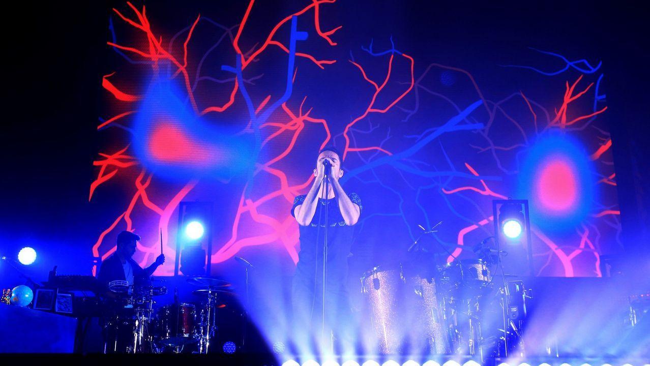 Llegan los primeros al Son do Camiño.Dave Grohl, vocalista del Foo Fighters, durante show en Alemania