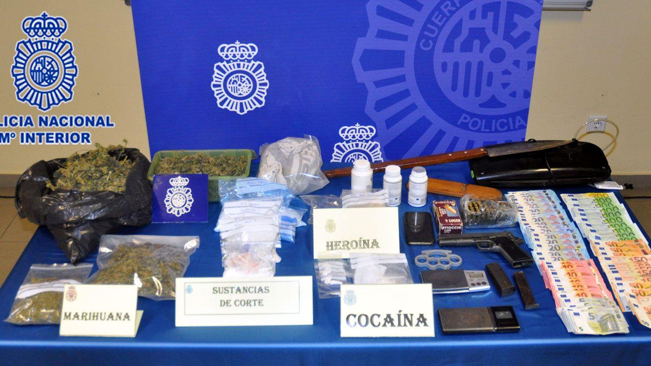 patrullera.Droga, dinero y otros efectos incautados en un punto de venta de droga en Tremañes.