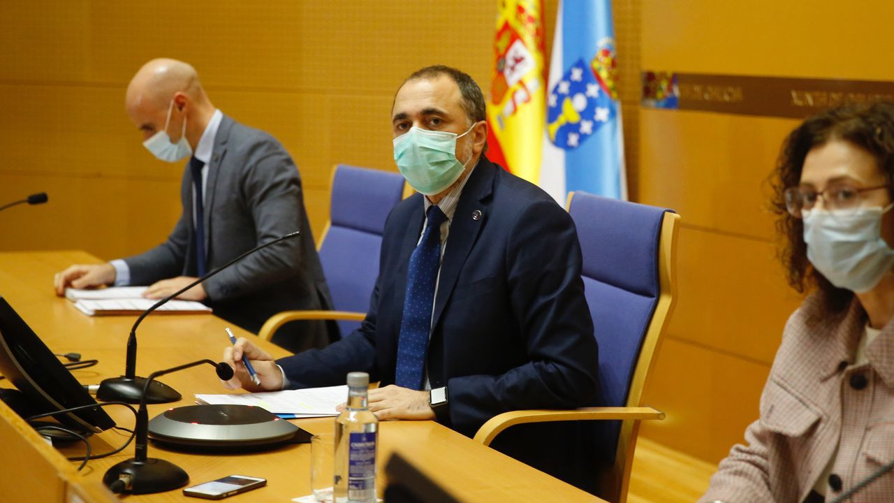 En directo: El conselleiro de Sanidade avanza las nuevas medidas del comité clínico.El proyecto de Sargadelos es uno de los ejemplos históricos de empresas que apuestan por el diseño como eje estratégico. En la imagen, una operaria en la factoría de Cervo