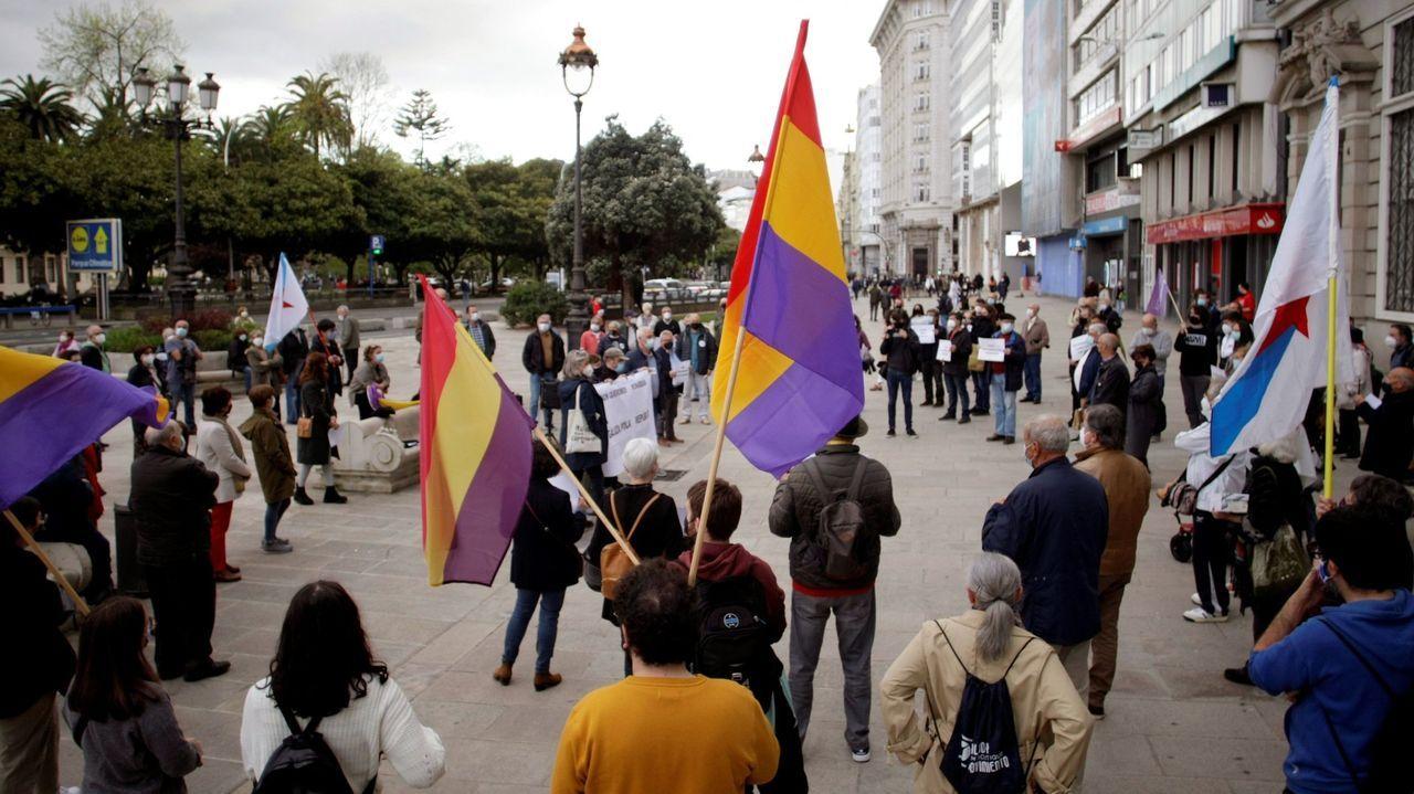 Así celebran los trabajadores gallegos elPrimero de Mayo.Pedro Sánchez dialoga con Angela Merkel