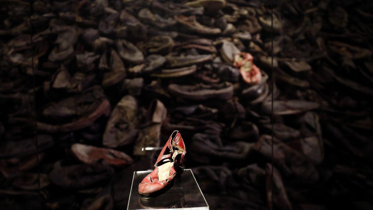 Zapato de mujer abandonado.