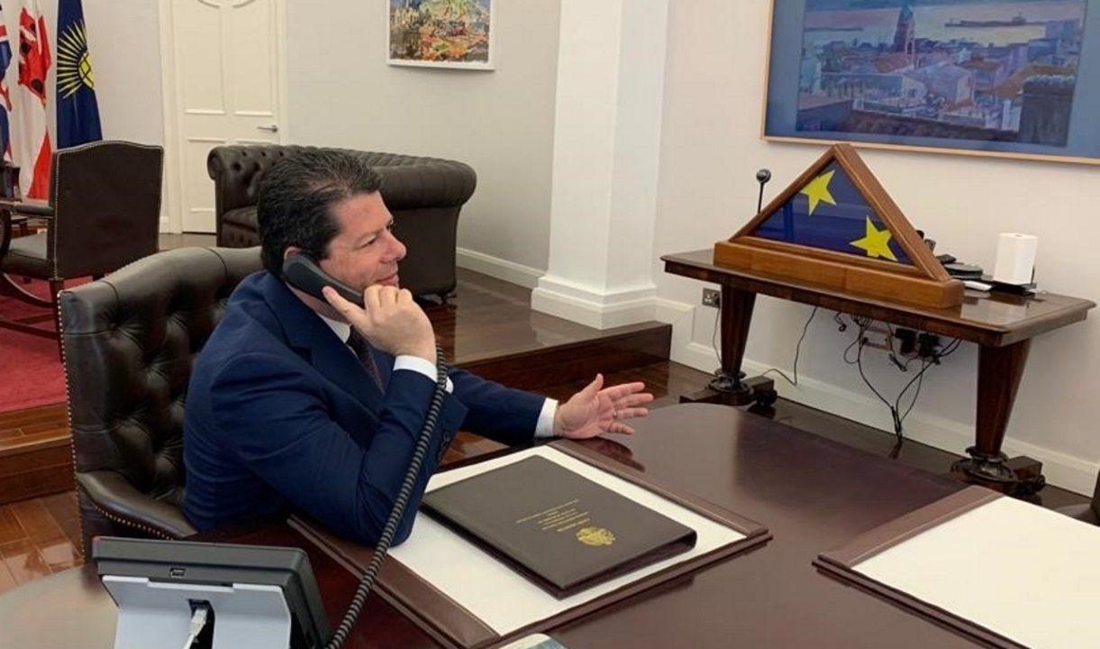 El ministro principal de Gibraltar, Fabián Picardo, en su despacho