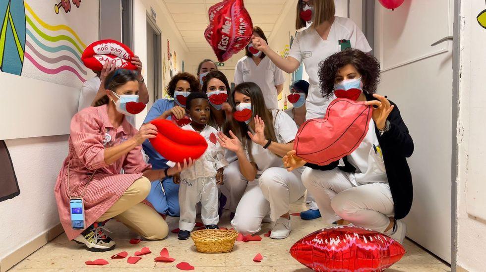 Los besos protagonizaron el Día del Niño Hospitalizado en el CHUO