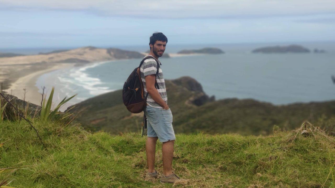 Alberto Andrade en Cabo Reinga, en Nueva Zelanda
