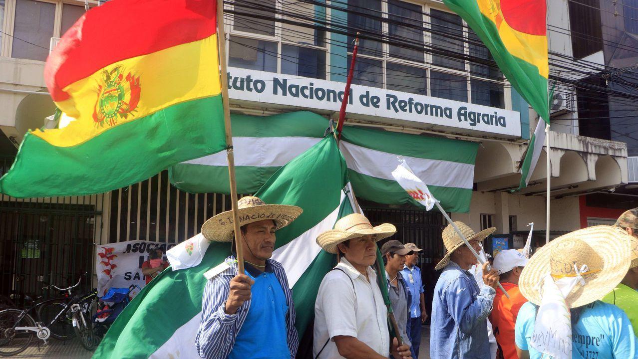 Miles de chilenos volvieron a tomar la céntrica Plaza Italia, epicentro de las protestas que cumplen el lunes dieciocho días
