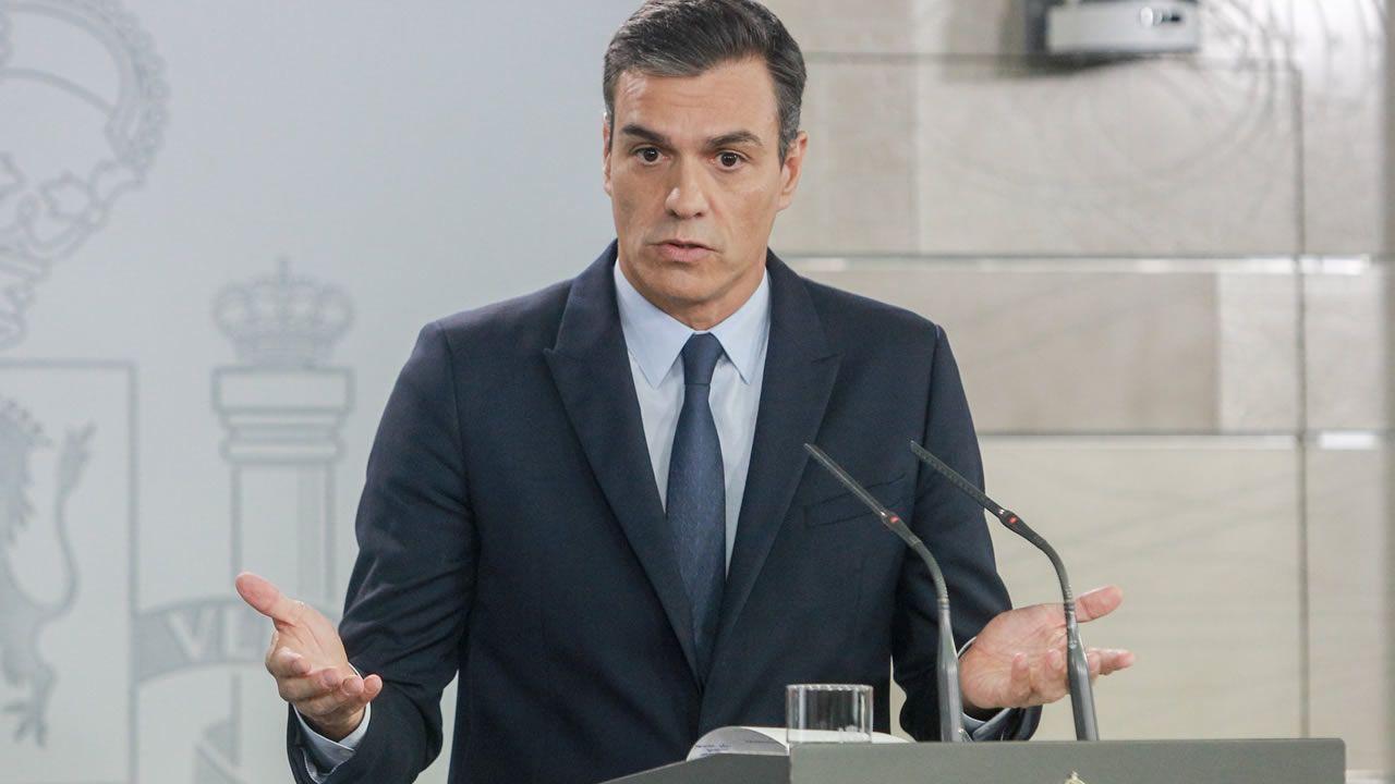 El PSOE ganaría las elecciones con un 34% de los votos, según el CIS.Íñigo Errejón durante una reunión con las bases del partido Más Madrid