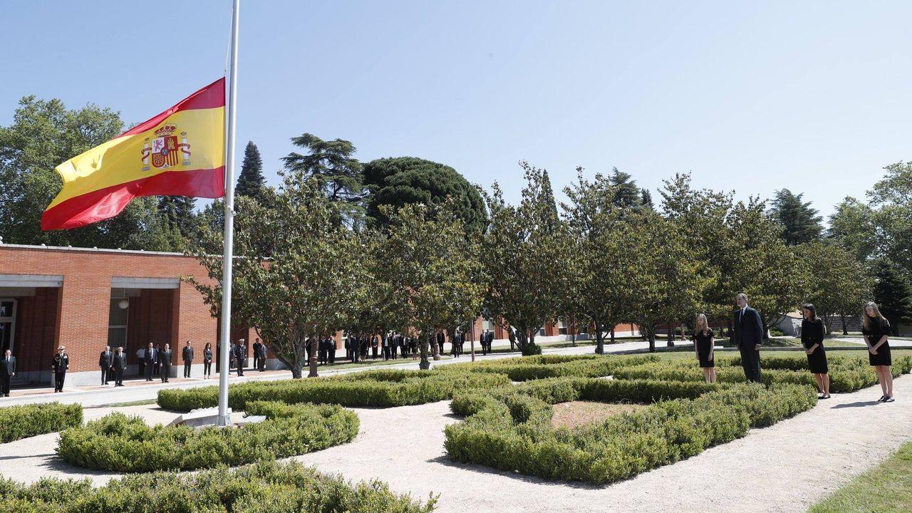 La Casa Real también ha guardado un minuto de silencio. En él han participado Felipe VI, la reina Letizia y sus hijas