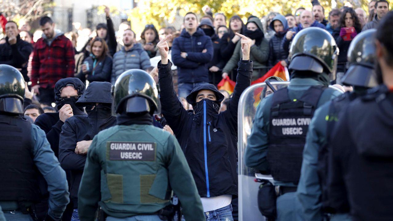 Tensión en las calles de Alsasua por el acto conjunto de Ciudadanos, PP y Vox.Ignacio Prendes