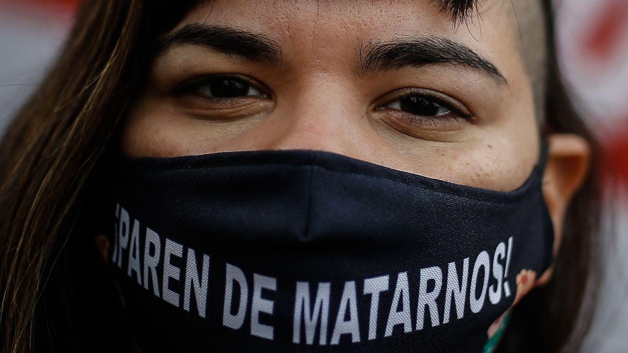 Una mujer participando, este junio, en una marcha del movimiento feminista Ni Una Menos en Argentina