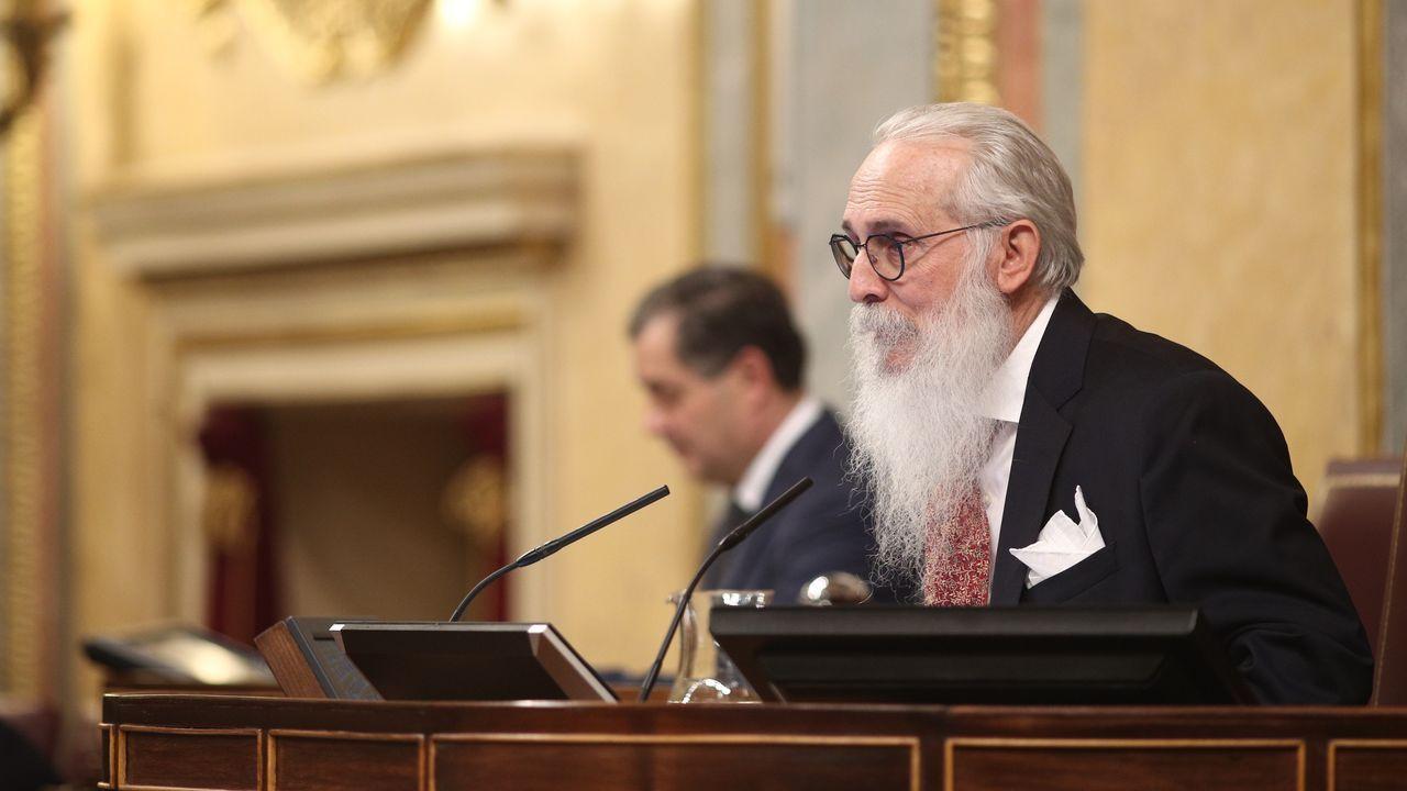 El presidente de la Mesa de Edad del Congreso, Agustín Zamarrón Moreno, fue uno de los protagonistas de la jornada. Inició la sesión pidiendo perdón a los españoles por el fracaso de la anterior legislatura