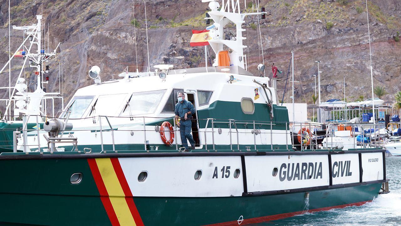 La Guardia Civil centra su búsqueda en el mar.Garamendi, consejera de Gobernanza; el vicelendakari Erkoreka e Iceta, ministro de Política Territorial salen de la Comisión de Transferencias
