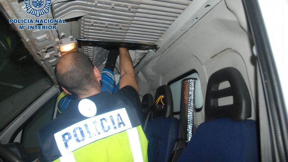 La operación permitió intervenir tres toneladas de coca en una furgoneta y una nave en Barro.