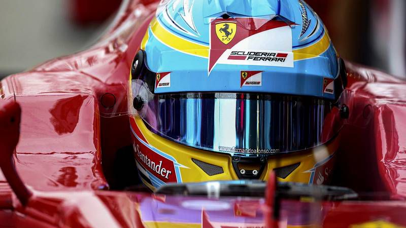 Lewis Hamilton ve posible ganar el título.El piloto asturiano persigue ser tricampeón del mundo.