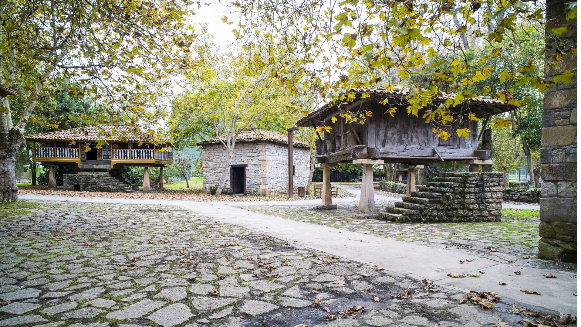 Exterior del Museo del Pueblo de Asturias