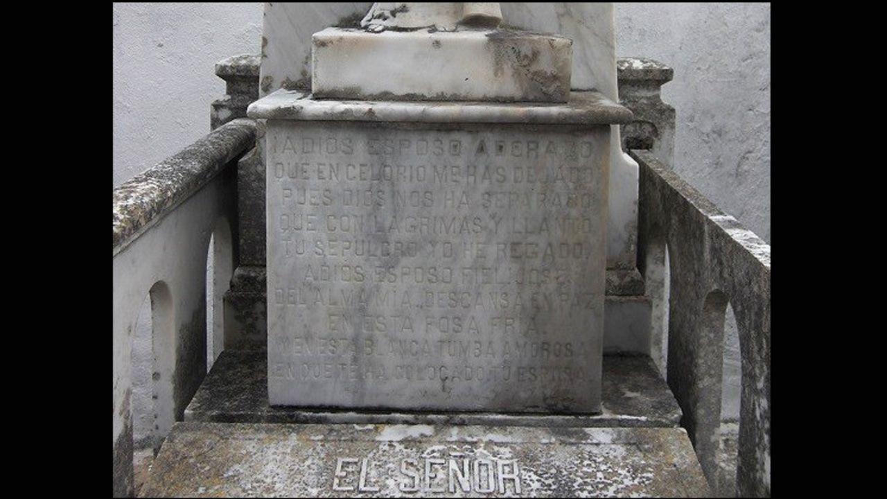 Larga dedicatoria al esposo en el cementerio de Celorio, Llanes