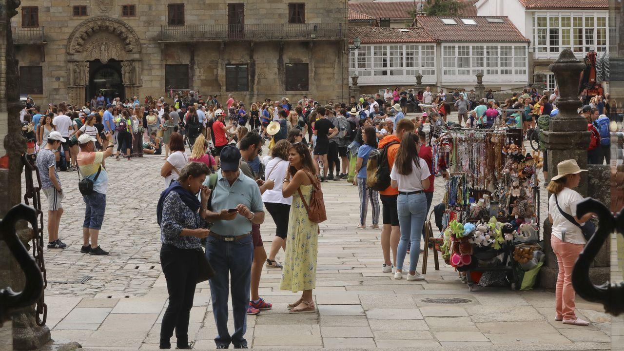 Cachopo.Actuación del festival A rúa e vosa en la plaza de España, en las fiestas del pasado año
